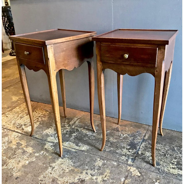Sculpture Materials 19th Century Vintage French Louis XV-Style Walnut Stands- A Pair For Sale - Image 7 of 9
