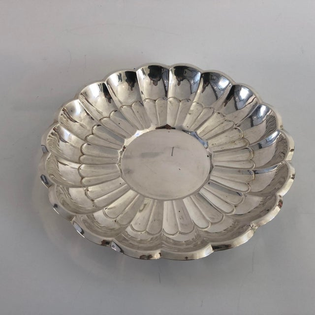 """Midcentury Style Silver Plate Large Serving Bowl , Makers Mark Reads """" Towle 4116"""" In Very Good Polished Condition With..."""