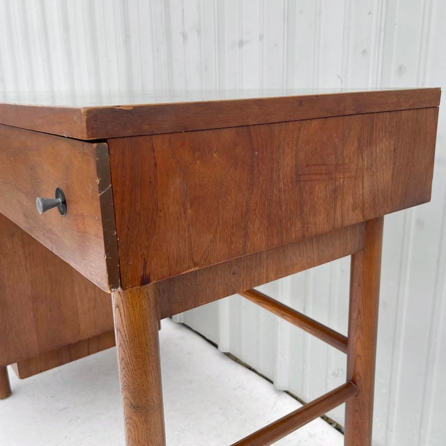Stanley Furniture 1960s Wood Mid-Century Modern Writing Desk For Sale - Image 4 of 13