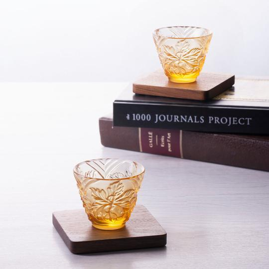 """""""To Drink Amongst Flowers"""" Crystal Sake Glasses in Light Amber - Set of 4 For Sale In Seattle - Image 6 of 11"""