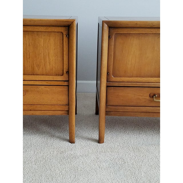 Drexel Meridian Nightstands – A Pair - Image 7 of 11