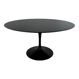 "1981, Vintage 54"" Round 'Saarinen' Tulip Dining Table by Eero Saarinen for Knoll, Stamped For Sale"