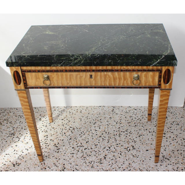 Traditional Antique Mid-19 Century American Side Table in Ribbon Satinwood and Marble For Sale - Image 3 of 13