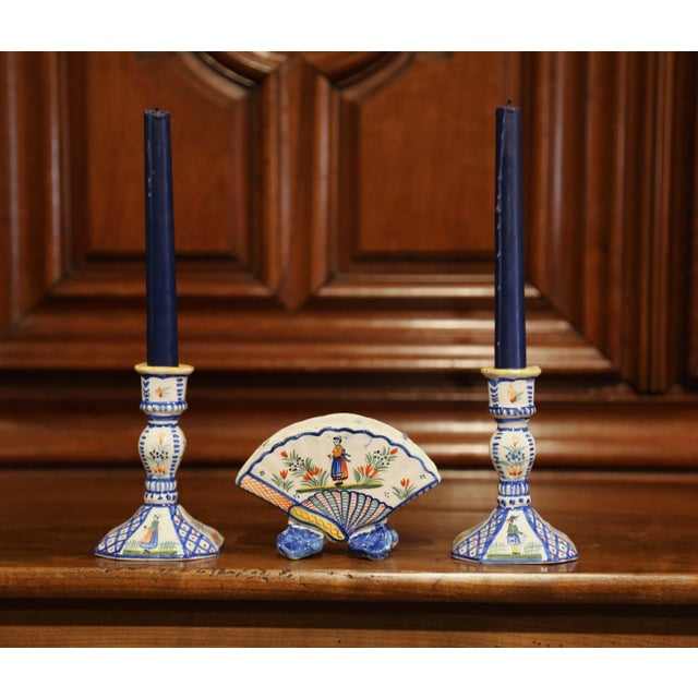 Mid-20th Century French Henriot Quimper Pair of Candlesicks With Matching Vase For Sale In Dallas - Image 6 of 13