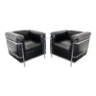 Cassina 'Lc2 Petit Modele' Le Corbusier Club Chairs in Leather For Sale