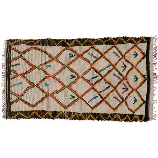 Mid-Century Modern Vintage Berber Moroccan Rug With Abstract Tribal Style - 4′7″ × 8′2″ For Sale