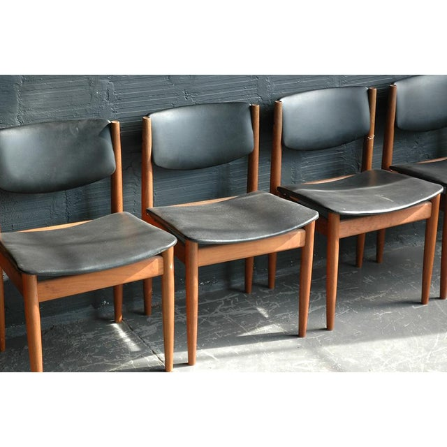 Contemporary Finn Juhl Model 197 Dining Chairs - Set of 6 For Sale - Image 3 of 7