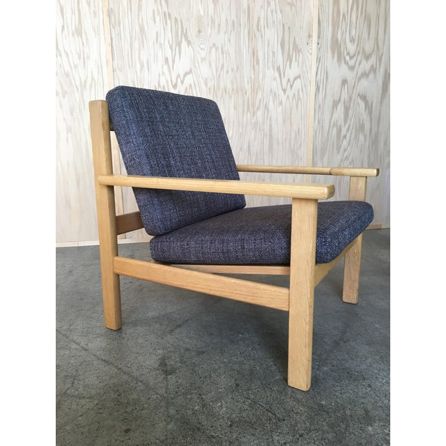 Hans Wegner Oak Lounge Chairs - a Pair For Sale In Los Angeles - Image 6 of 10