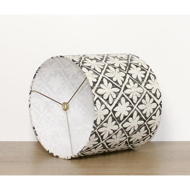 A pop of modern floral for that perfect eclectic vibe! Made to order - 1 to weeks DETAILS: -One drum lamp shade...