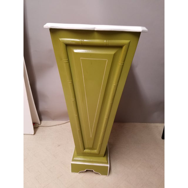 Palm Beach Regency Lime & White Painted Wood Sculpture Pedestal or Plant Stand With Faux Bamboo Trim - Image 4 of 8