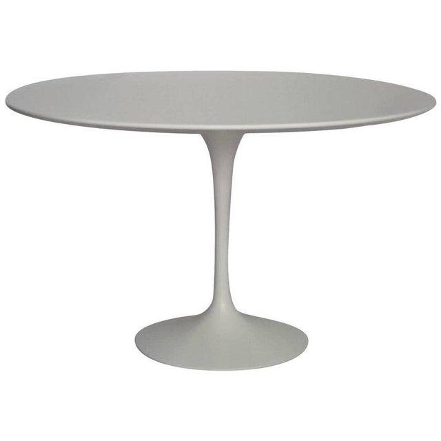 "Saarinen 42"" Round Dining Table Designed by Eero Saarinen for Knoll - Image 4 of 9"