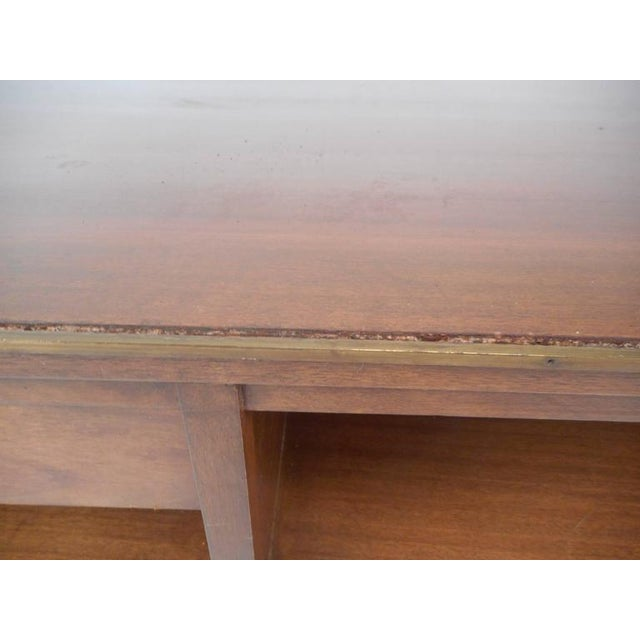 Brown Mid-Century Modern Walnut Coffee Table in the Style of Paul McCobb For Sale - Image 8 of 10