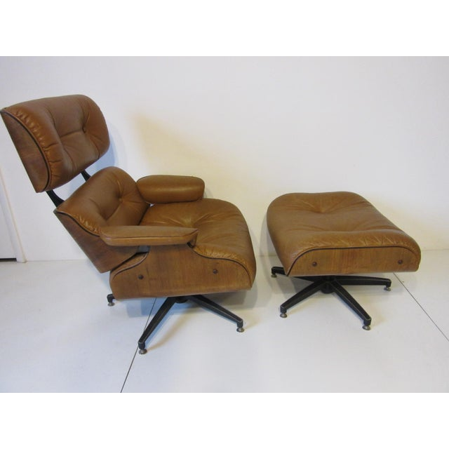 Selig Selig Swiveling Leather Lounge Chair and Ottoman For Sale - Image 4 of 10