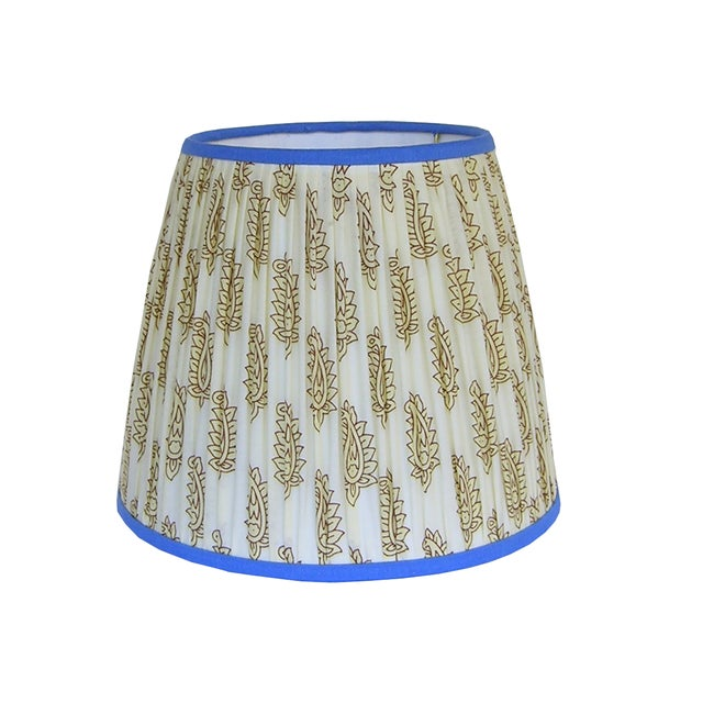 2020s Cream Paisley Pleated Lamp Shade With Blue Trim For Sale - Image 5 of 8