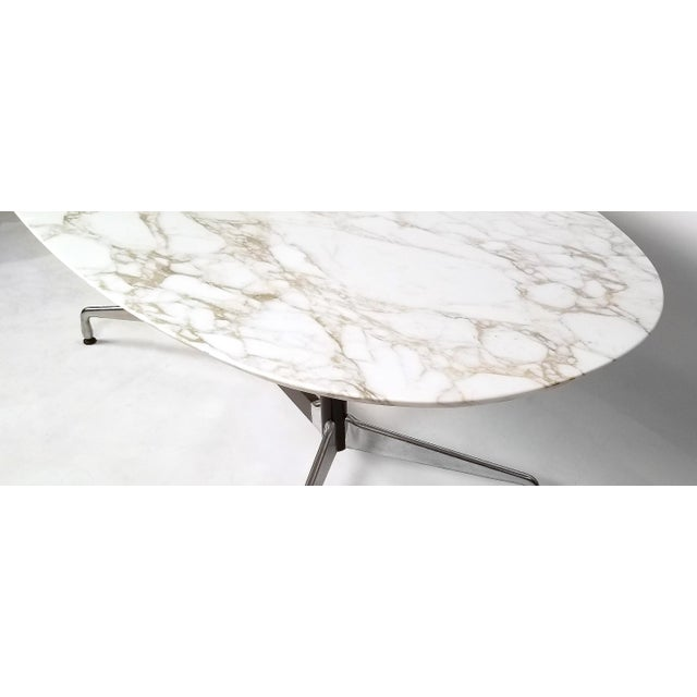 Mid-Century Modern Charles Eames for Herman Miller Aluminum Group Calacatta Marble Table Desk For Sale - Image 3 of 8