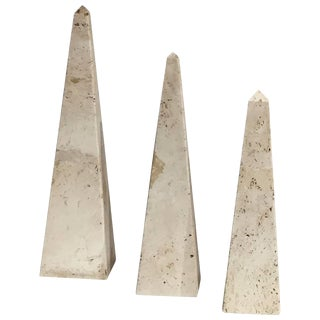 Suite of Three Decorative Travertine Obelisks, Italy, 1970s For Sale
