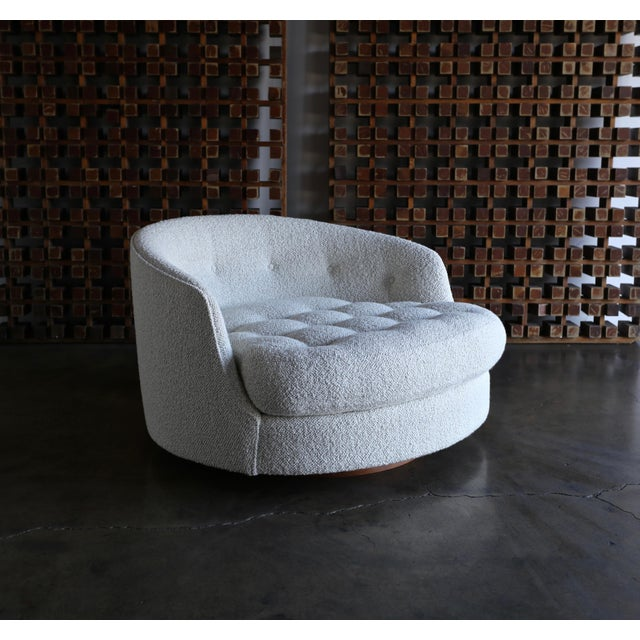 White Milo Baughman Large Swivel Lounge Chair for Thayer Coggin, Circa 1970 For Sale - Image 8 of 13