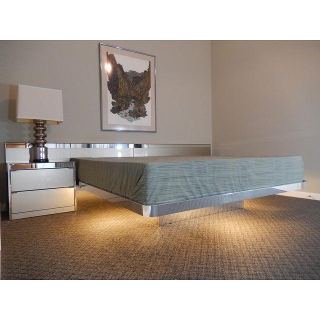 Ello Mid Century Modern Illuminated Platform Bed Image 9 Of