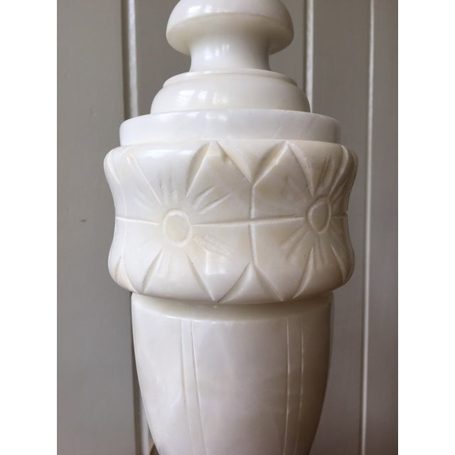 Vintage alabaster marble lamp. This urn shaped lamp is beautifully etched and is in fantastic condition.