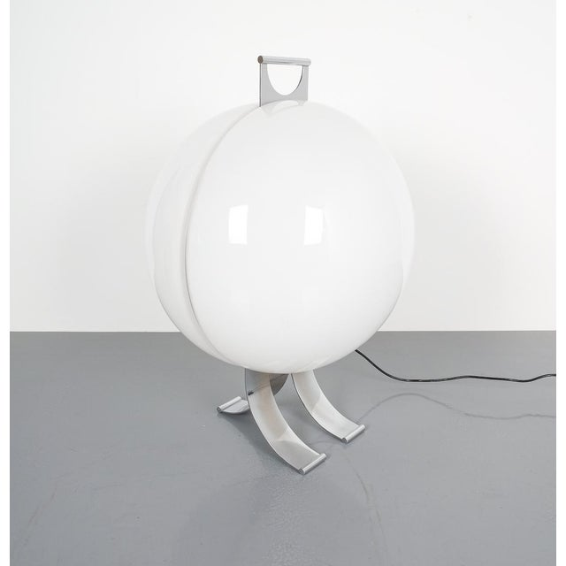 Silver Rare Tetrarch Design Studio Table Light Chrome Lucite for Valenti, Circa 1970 For Sale - Image 8 of 12