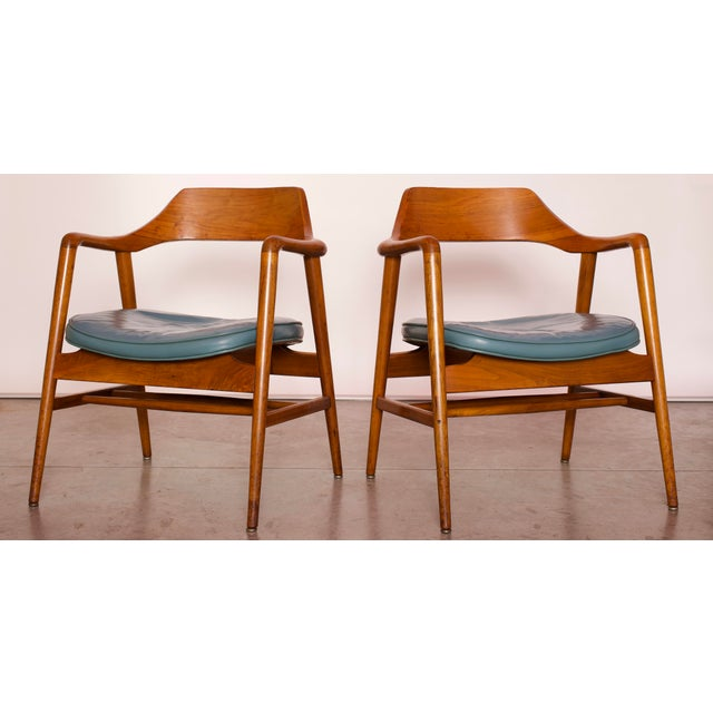 1960s Vintage Gunlocke Co. Walnut Armchairs - a Pair For Sale - Image 12 of 12