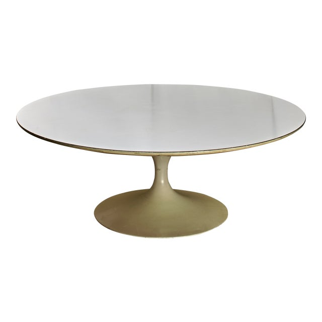 1960's Mid-Century Modern Eero Saarinen Knoll Associates Coffee Table For Sale