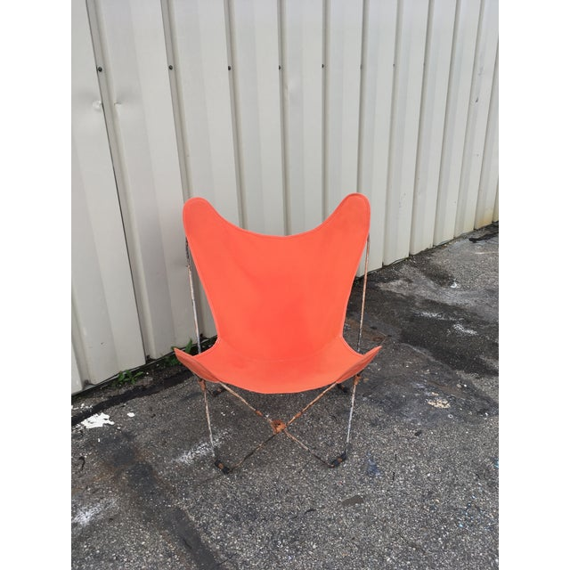 This butterfly chair is in excellent condition because it has not been repainted! Original folding butterfly 1950- 1960...