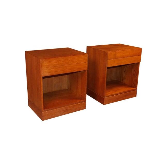 Vinde Mobelfabrik Arne Wahl Iversen Teak Danish Modern Nightstands End Side Tables Pair For Sale - Image 4 of 12