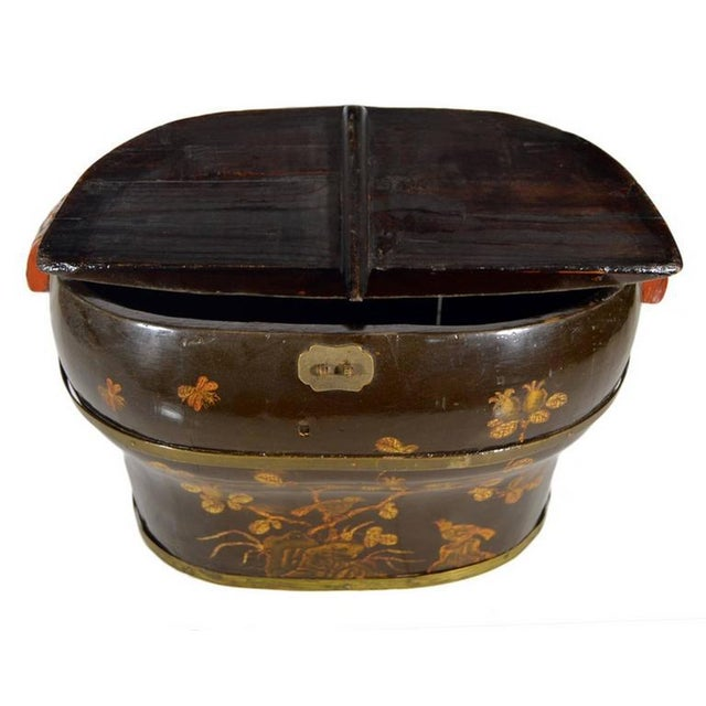 Hand-Painted and Lacquered Wedding Box with Flowers from, China, 19th Century For Sale - Image 4 of 10