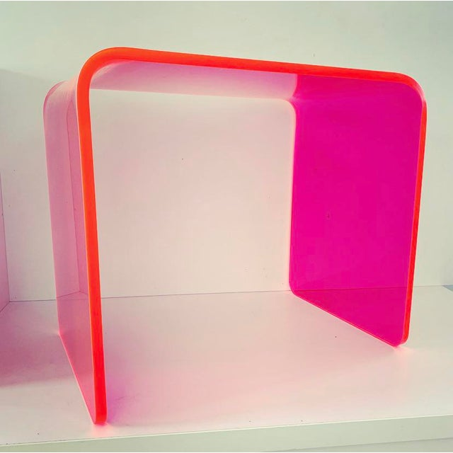 """Acrylic """"The Side Piece"""" Side Table in Neon Pink For Sale - Image 7 of 8"""