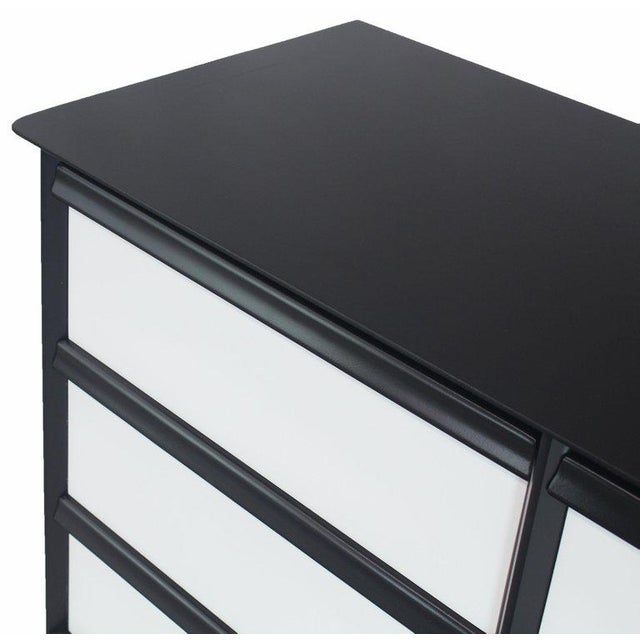 1960s Solid Birch Two-Tone Black White Lacquer Six-Drawer Dresser Baumritter For Sale - Image 5 of 9