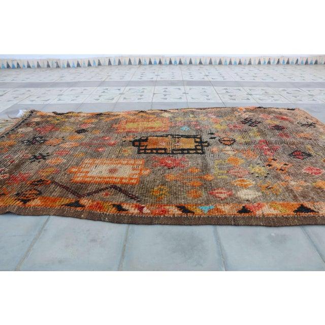 "Islamic Taznakth Vintage Moroccan Rug - 3'1"" x 4'9"" For Sale - Image 3 of 3"