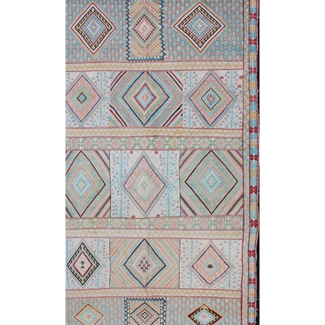 Keivan Woven Arts, S12-0303, Vintage Mid-Century Embroidered Moroccan Rug - 5′ × 9′ For Sale - Image 4 of 10
