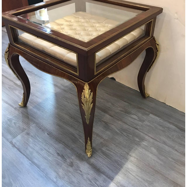Louis XV Style Mahogany Ormolu-Mounted Table Vitrine For Sale In Philadelphia - Image 6 of 11