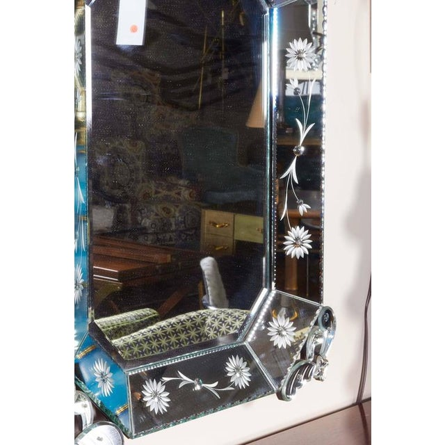 Extra Large 1940s Italian Hollywood Regency Venetian Mirror With Elaborate Etching For Sale In New York - Image 6 of 8