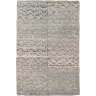 Contemporary Grey and Green Floral Wool Rug - 4′ × 6′ For Sale