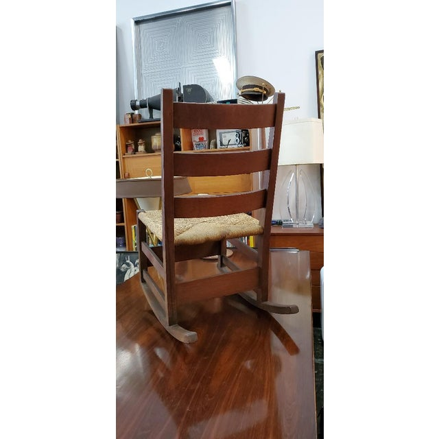 1900 - 1909 Gustav Stickely Early Arts & Crafts Mission Oak Youth Rocker Chair For Sale - Image 5 of 13