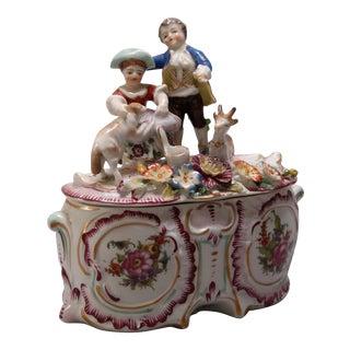 Antique Figural German Meissen School Painted and Gilt Porcelain Dresser Box For Sale