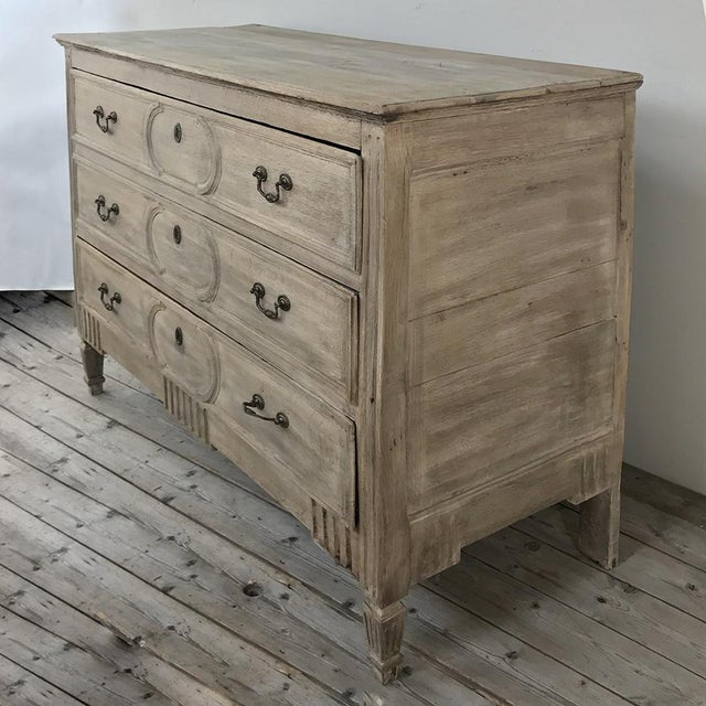 Country 18th Century Country French Stripped Oak Commode For Sale - Image 3 of 13