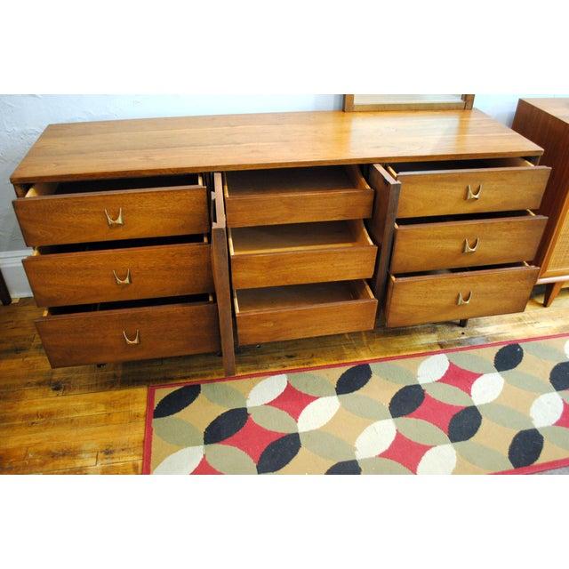 Broyhill Brasilia Mid Century Modern 9 Drawer Dresser For Sale - Image 5 of 9
