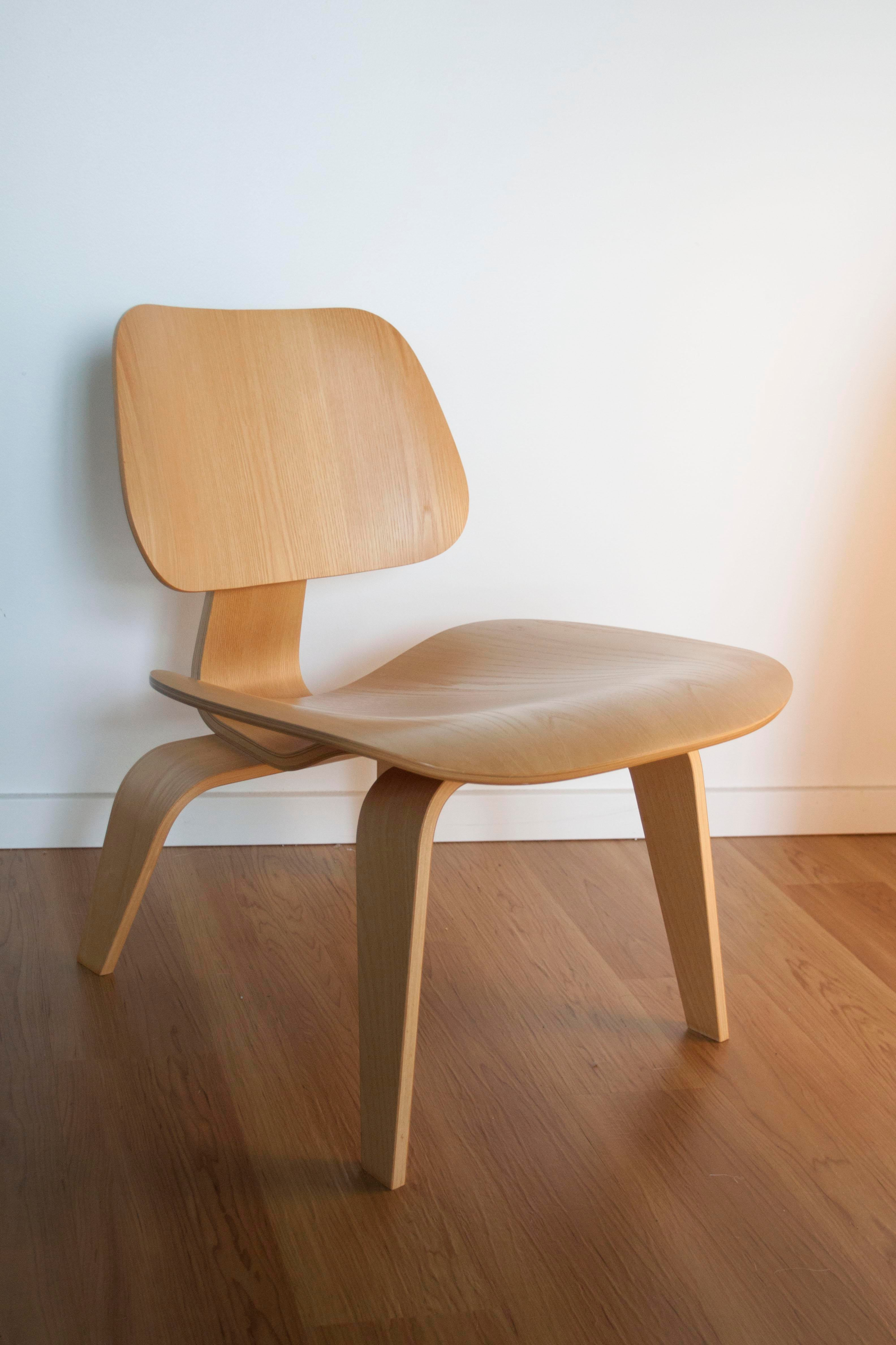 Eames Herman Miller LCW Chair   Image 2 Of 10