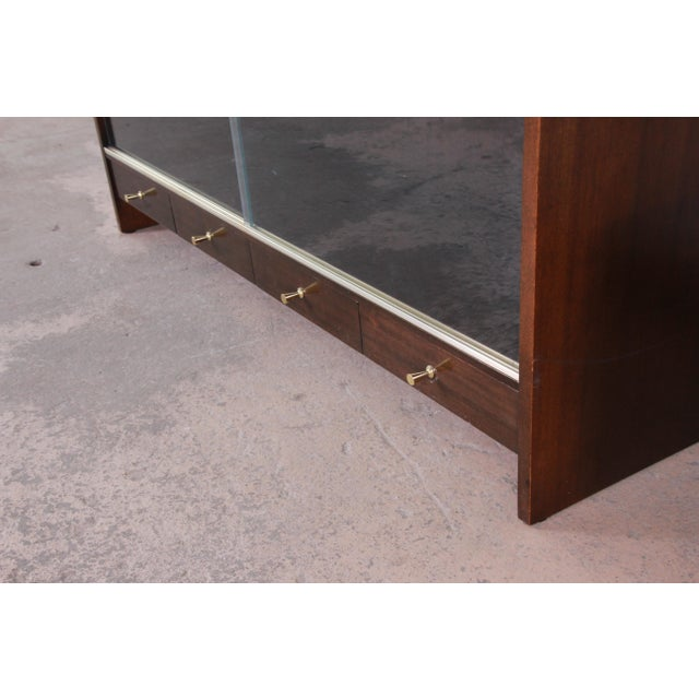 """Calvin Furniture Paul McCobb for Calvin """"Irwin Collection"""" Mahogany Glass Front Cabinet or Bookcase For Sale - Image 4 of 13"""