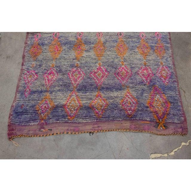 Vintage Moroccan Beni M'Guild Rug - 6′ × 10′9″ For Sale - Image 4 of 10
