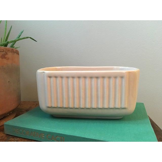 Vintage Haeger ceramic planter in a beautiful neutral beige color.