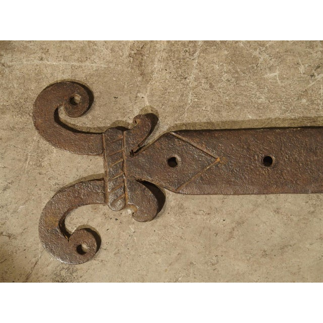 Gothic Pair of 15th Century Iron Door Straps from France For Sale - Image 3 of 9