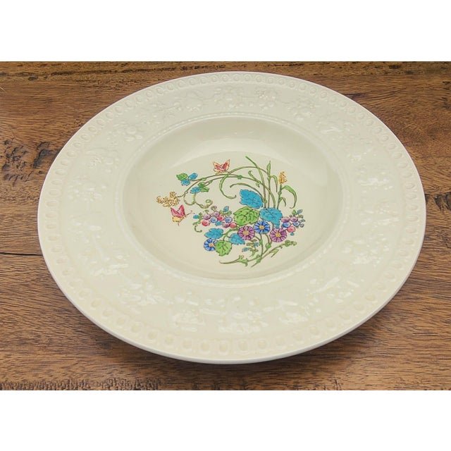 This is a very nice single antique porcelain soup bowl made by Wedgwood in their Wellesley line in the Montreal pattern. 8...