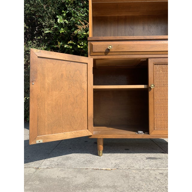 Mid Century Modern Display Shelf Cabinet For Sale In Los Angeles - Image 6 of 10