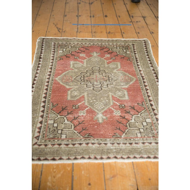 """Vintage Distressed Oushak Rug - 3'2"""" X 4'5"""" For Sale In New York - Image 6 of 11"""