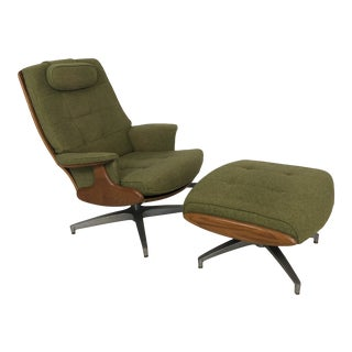 1960s Heywood Wakefield Walnut Lounge Chair and Ottoman For Sale