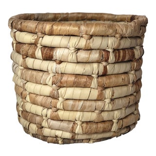 20th Century Boho Chic Cornhusk Basket For Sale